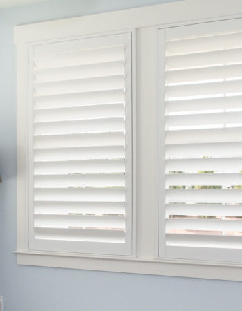 Plantation shutters with hidden tilt rods in Tampa