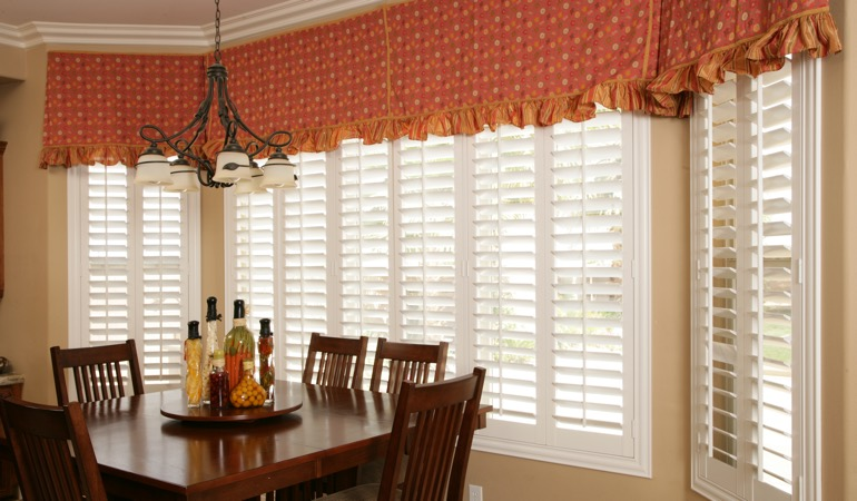 White shutters in Tampa dining room.