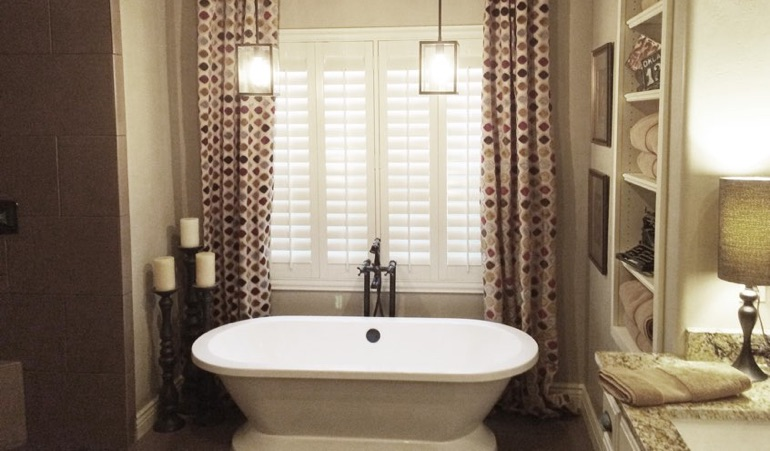 Polywood Shutters in Tampa Bathroom