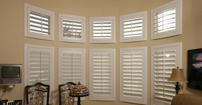 Bay window shutters Tampa home office